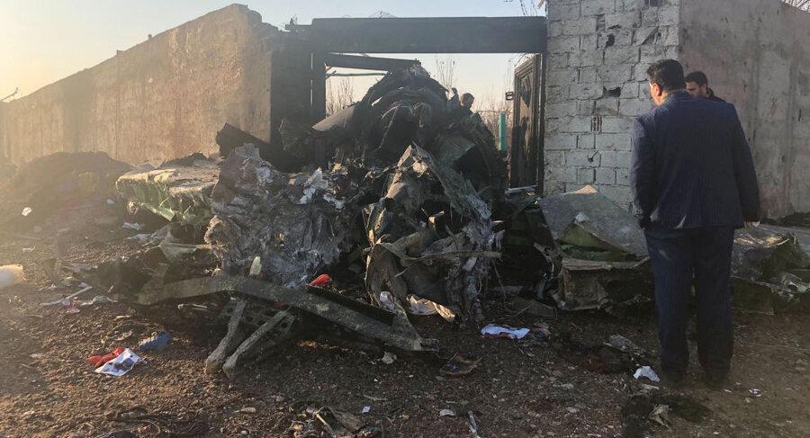 واکنش های مثبت به انتقال جعبه سیاه هواپیمای اوکراینی سرنگون شده در ایران به فرانسه