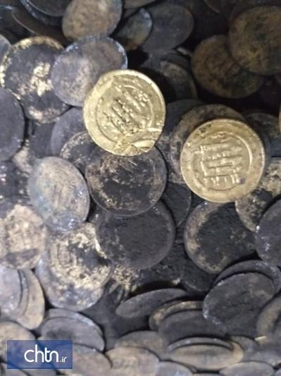 کشف و ضبط 1918 قطعه سکه در میانه