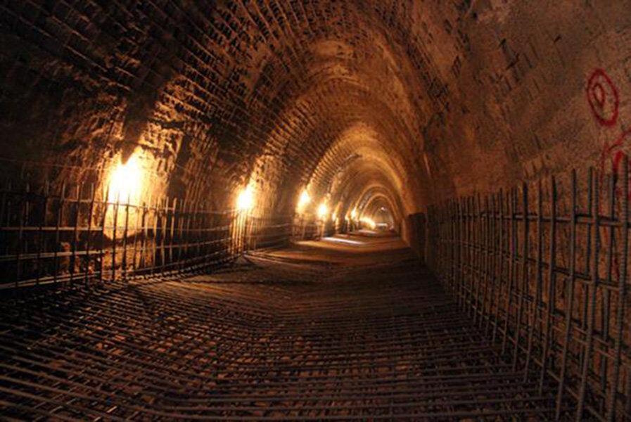 خبرنگاران معاون استاندار تهران: احداث تونل کمرخانی لازم است