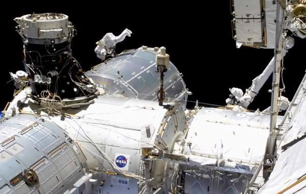 فضانوردان در نخستین راهپیمایی فضایی سال 2021 چه کردند؟