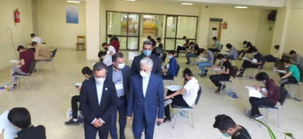 بازدید وزیر علوم از حوزه های برگزاری کنکور در دانشگاه فردوسی مشهد